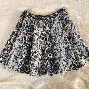Abercrombie & Fitch pleated snake print skirt